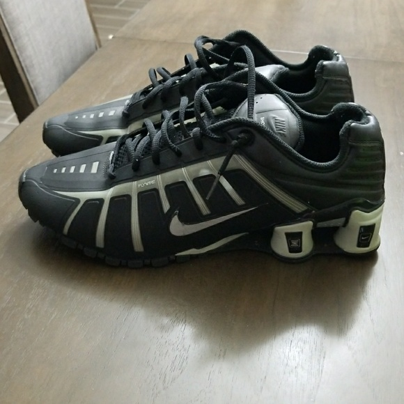 available official site pretty cool Men's Nike Shox O'Leven Shoes Size 12